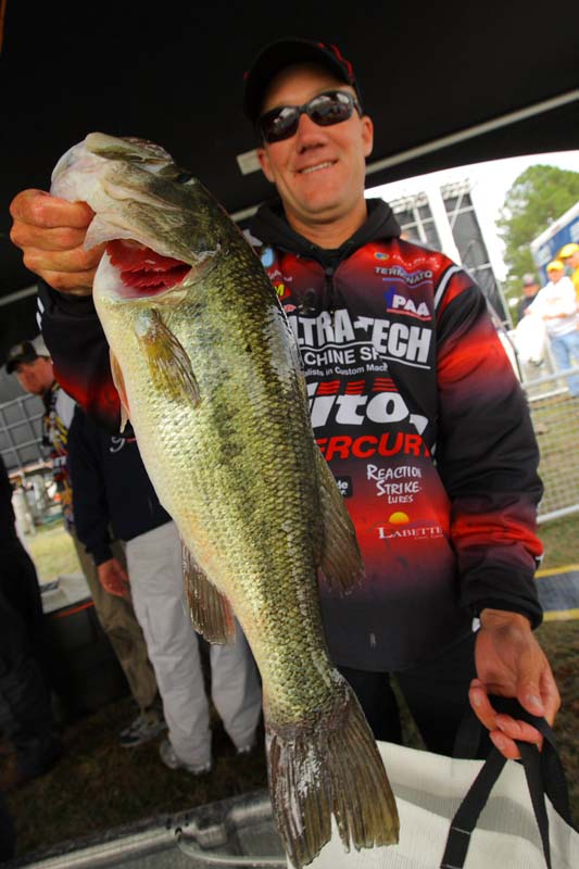 Fishing news and reports of interest to kansas anglers 2009 for Lake dardanelle fishing report