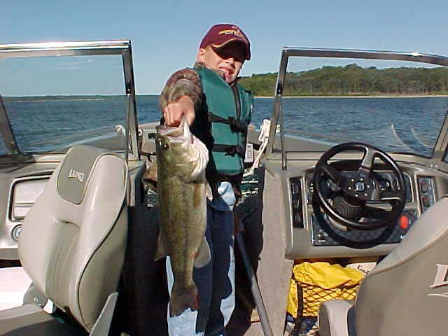 Missouri fishing report from anglers august september 2002 for Fishing report truman lake
