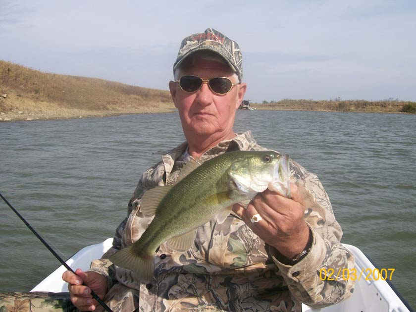 Kansas fishing report reports from anglers september for Kansas fish records